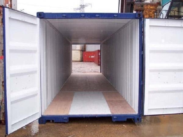 40' container - 8'6